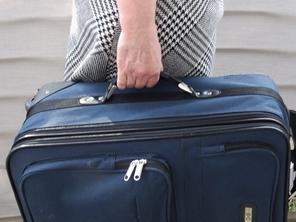 Koffer tragen fem